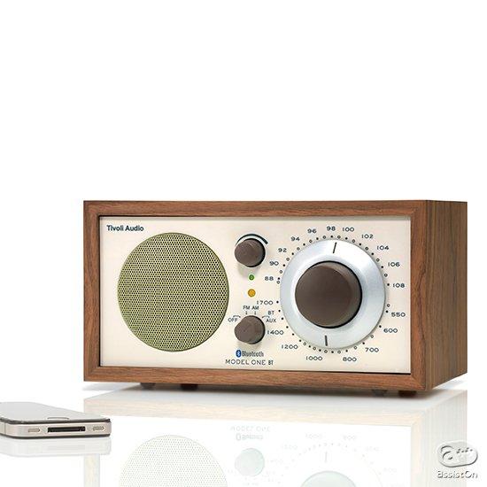 豊かな音質を、シンプルな操作で。15年のロングセラーを続ける、FM/AMラジオ機能内蔵のサウンドシステム。Bluetoothモデル登場。