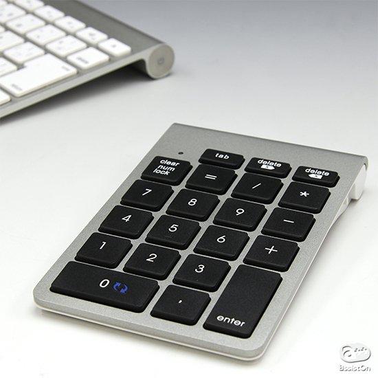純正キーボードにデザインもタッチも統一。Macの入力環境を快適にしてくれる、Bluetooth式ワイヤレス10キーパッド。