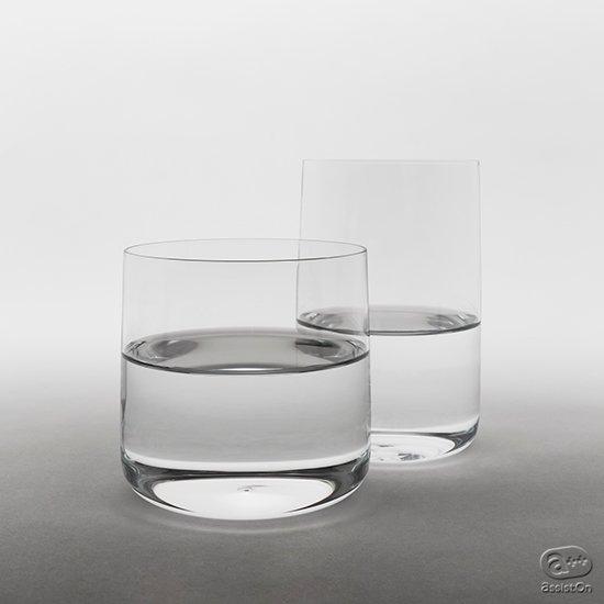 東京、下町のガラス職人と、世界を代表するプロダクトデザイナーがいっしょに作った、新しいコップです。